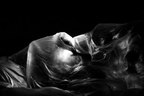 """Théâtre : """"Leros, un Exil Insulaire chez les Damnés"""" par Miléna Kartowski-Aïach. 2017."""
